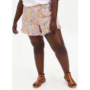🆕 Coral Floral Ruffle Hem Shorts NWT Torrid 2X 18
